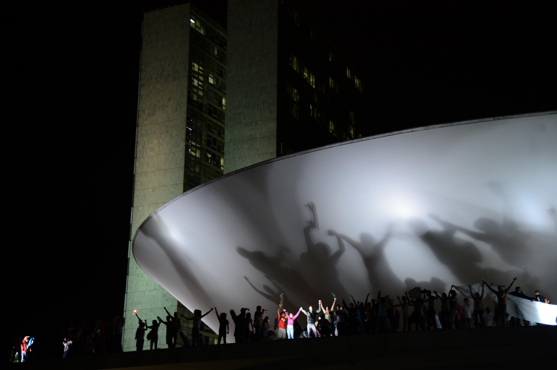 O dia que o povo foi às ruas e cobrou um novo país. #MudaBrasil
