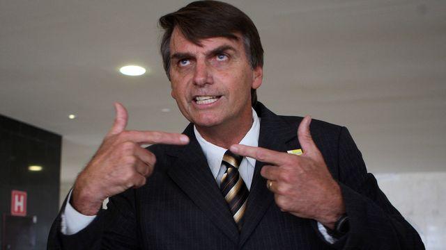 Bolsonaro e os defensores da ditadura militar