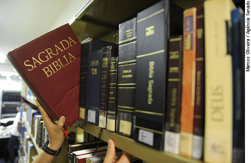 A Laicidade do Estado e a presença de Bíblias em escolas públicas e privadas
