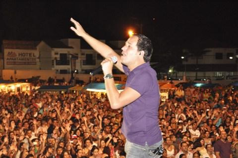 Proibição de contratação de cantores Gospel e Pregadores causa polêmica entre denominações evangélicas de todo Brasil. Batistas enviam comunicado.