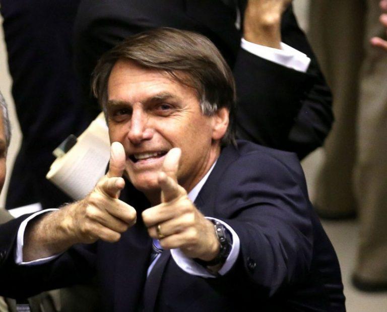 """6 Pontos sobre os evangélicos e um """"messias"""" chamado Jair Bolsonaro."""