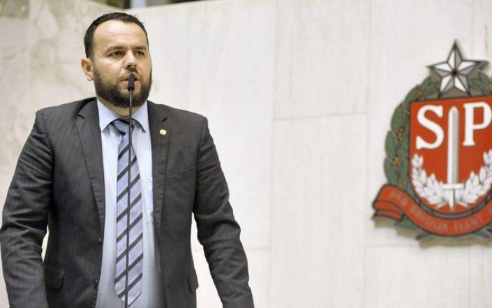 """Deputado inicia frente parlamentar para combater """"cultura do aborto"""""""